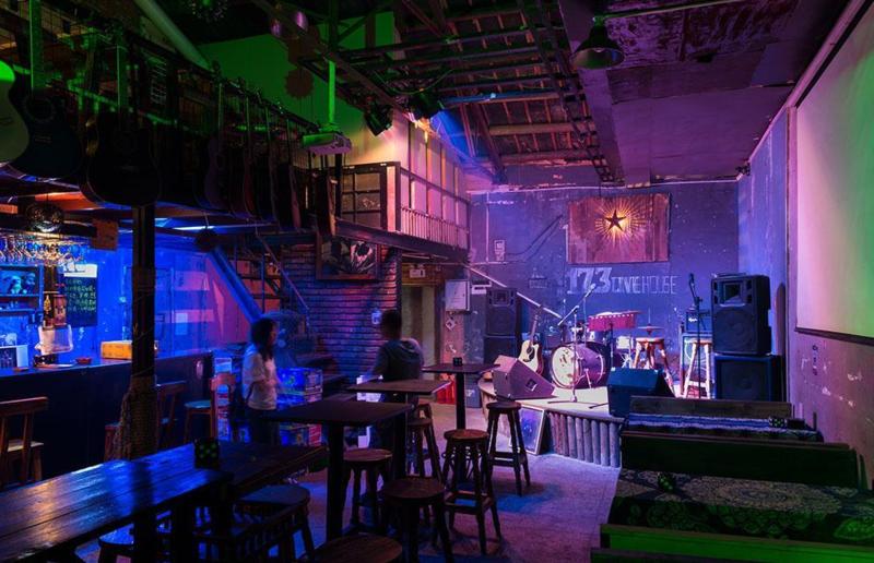 在重庆酒吧上班是一种怎么样的体验?
